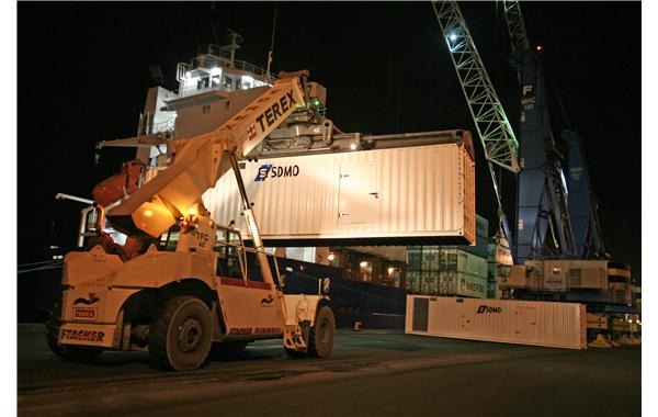 Maritime transport of soundproofed containers